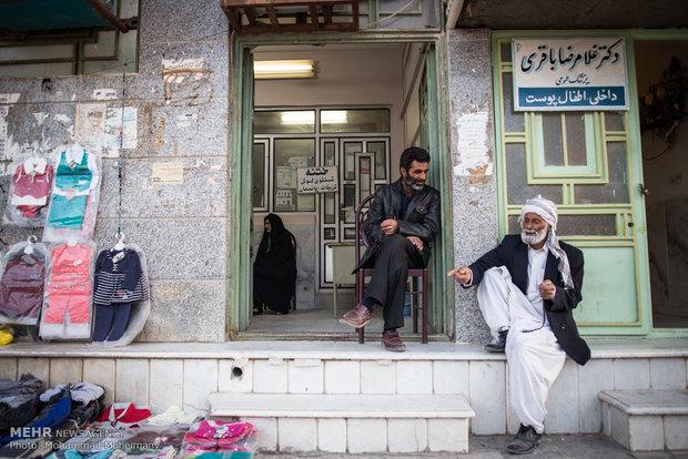 بیماران در انتظار باز شدن مطب