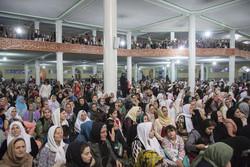 حضور هزاران نفر ازعاشقان رسول الله در بزرگترین مولودی خوانی ایران