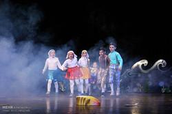 نمایشهای کودک و نوجوان چندوجهی شده است