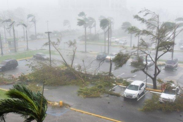 ممبئی میں سمندری طوفان کے خطرے کے پیشِ نظر کرفیو نافذ