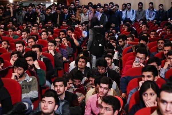 برگزاری مراسم متنوع روز دانشجو در ۷ دانشگاه علوم پزشکی