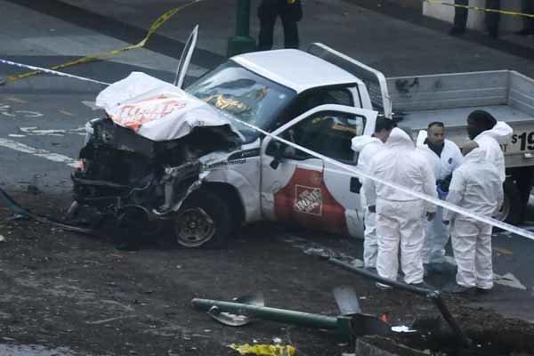 حمله با خودرو به عابرین در نیویورک ۵ کشته و زخمی برجا گذاشت
