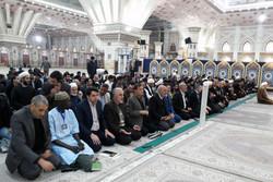 ادای احترام میهمانان کنفرانس وحدت اسلامی به مقام شامخ امام راحل