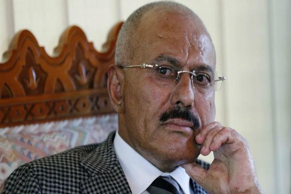 مصدر يمني: عبدالله صالح قتل جراء قصف من طائرات امارتية