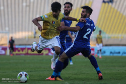 دیدار تیم های استقلال خوزستان و نفت آبادان
