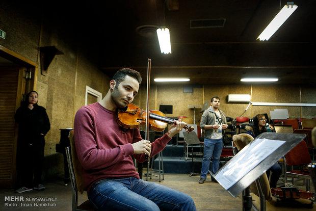 اولین جلسه تمرین ارکستر سمفونیک تهران با ارکستر جوانان جهان