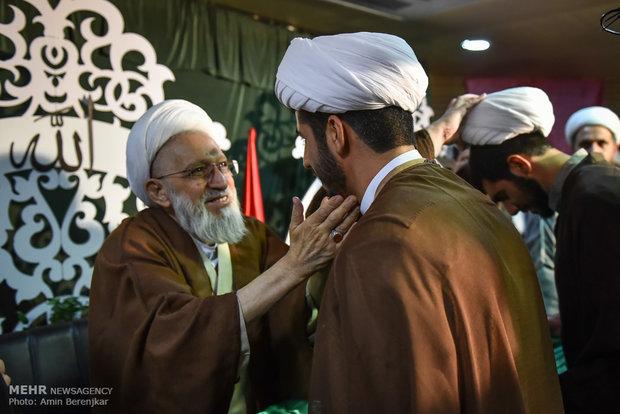 آیین عمامه گذاری طلاب حوزه های علمیه تحت اشراف نماینده مقام معظم رهبری در فارس