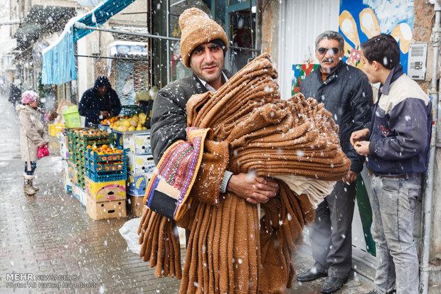 تساقط الثلوج في مدينة تبريز