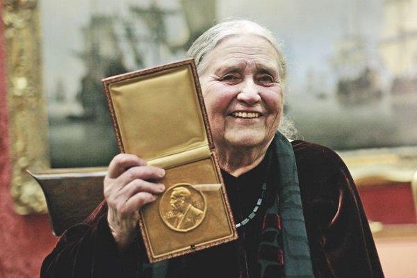 مدال نوبل دوریس لسینگ به حراج گذاشته میشود