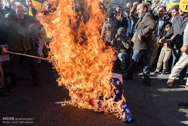 راهپیمایی نمازگزاران جمعه کرج در محکومیت انتقال پایتخت رژیم صهیونیستی به بیت المقدس
