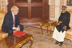 جانسون پیش از سفر به ایران با «سلطان قابوس» دیدار کرد
