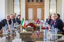 محادثات وزيرا خارجية ايران وبريطانيا في طهران / صور