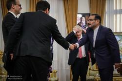 دیدار وزیر خارجه انگلیس با دبیر شورای عالی امنیت ملی