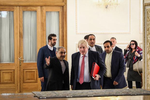 محادثات وزيرا خارجية ايران وبريطانيا في طهران