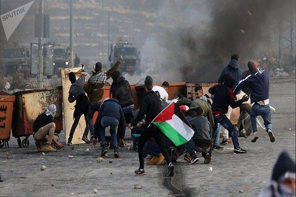 Filistin halkından Siyonist askerlere karşı olümüne direniş