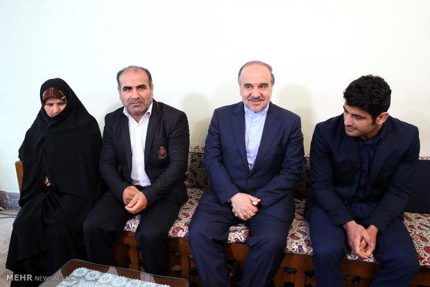 Milli güreşçi Alireza Karimi, İnkılap Rehberi'yle görüştü