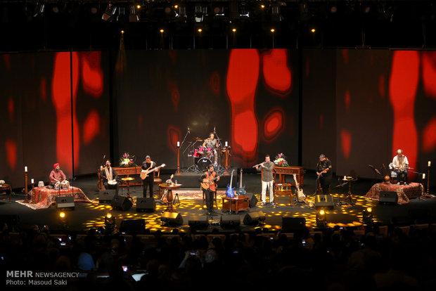 Modernleşmiş İran müziğinden Tahran'da coşkulu konser