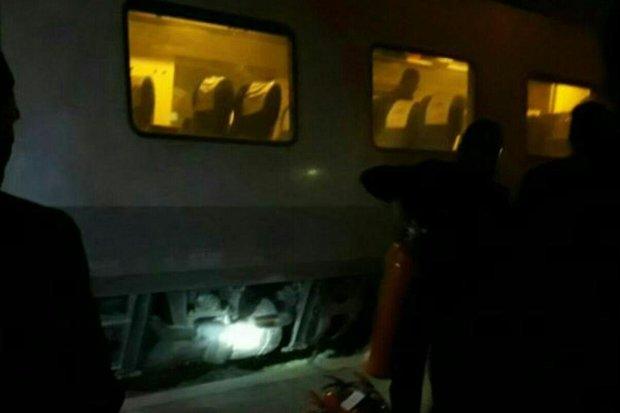 آتش سوزی قطار پردیس در ایستگاه گرمسار مهار شد