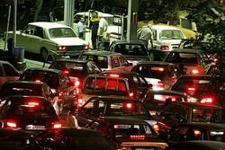صف های طولانی پمپ بنزین