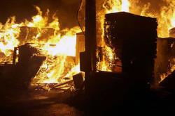 آتش سوزی انبار چوب ۱۰ هزار متری جاده شهریار