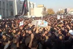 فلم / قم میں مدافع حرم شہید مہدی ایمانی کی تشییع جنازہ