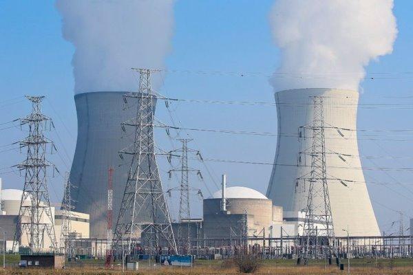 توافق روسیه و فرانسه برای همکاری هستهای صلح آمیز