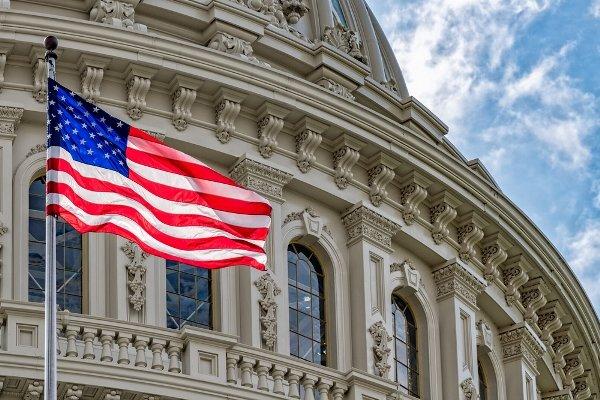 امریکی رکن پارلیمان کا وائٹ ہاؤس سے حساس دستاویز تک رسائی کا مطالبہ