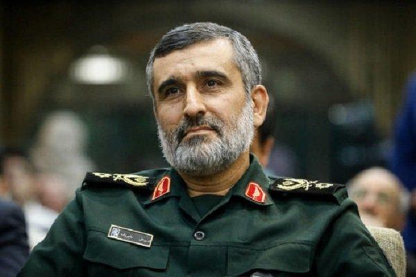 حاجي زاده: نبذل حياتنا وكرامتنا من أجل الثورة الإسلامية