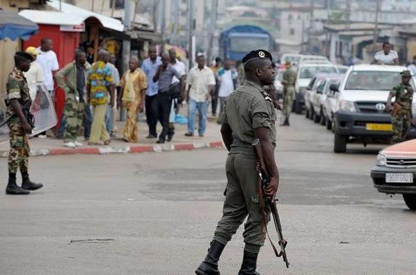 """الغابون.. نيجيري يطعن دنماركيين بالسكين """"ردا"""" على قرار ترامب بشأن القدس"""