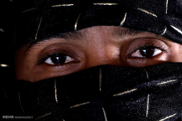 Rohingya'da Müslümanlara karşı uygulanan şiddeti anlatan yüzler