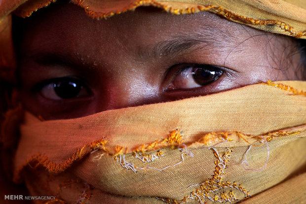 قربانیان تعرضات جنسی در روهینگیاRohingya'da Müslümanlara karşı uygulanan şiddeti anlatan yüzler