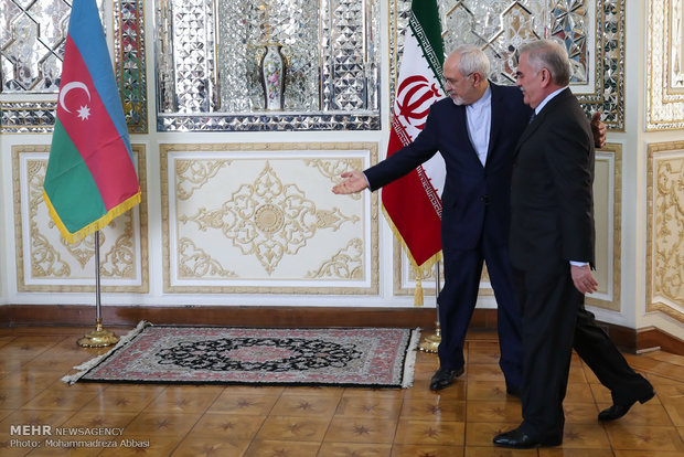 لقاء رئيس برلمان جمهورية نخجوان ذات الحكم الذاتي مع وزير الخارجية الايراني