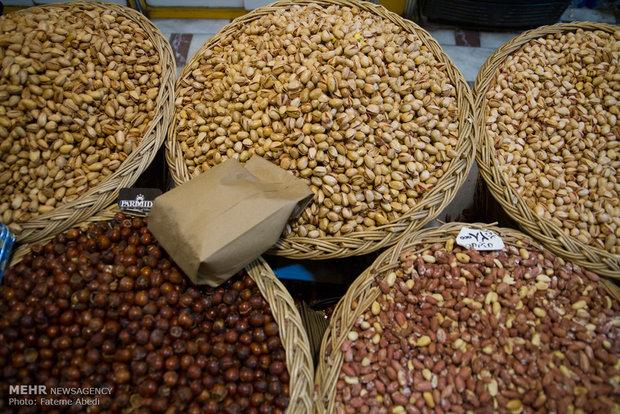 """الاسواق المكتظة في ايران على اعتاب ليلة """"يلدا"""""""