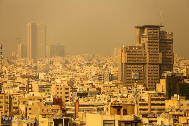 """Tahran'daki """"hava kirliliği"""" devam ediyor"""