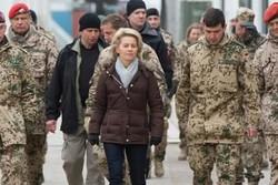 وزیر دفاع آلمان از مانور ناتو بازدید می کند