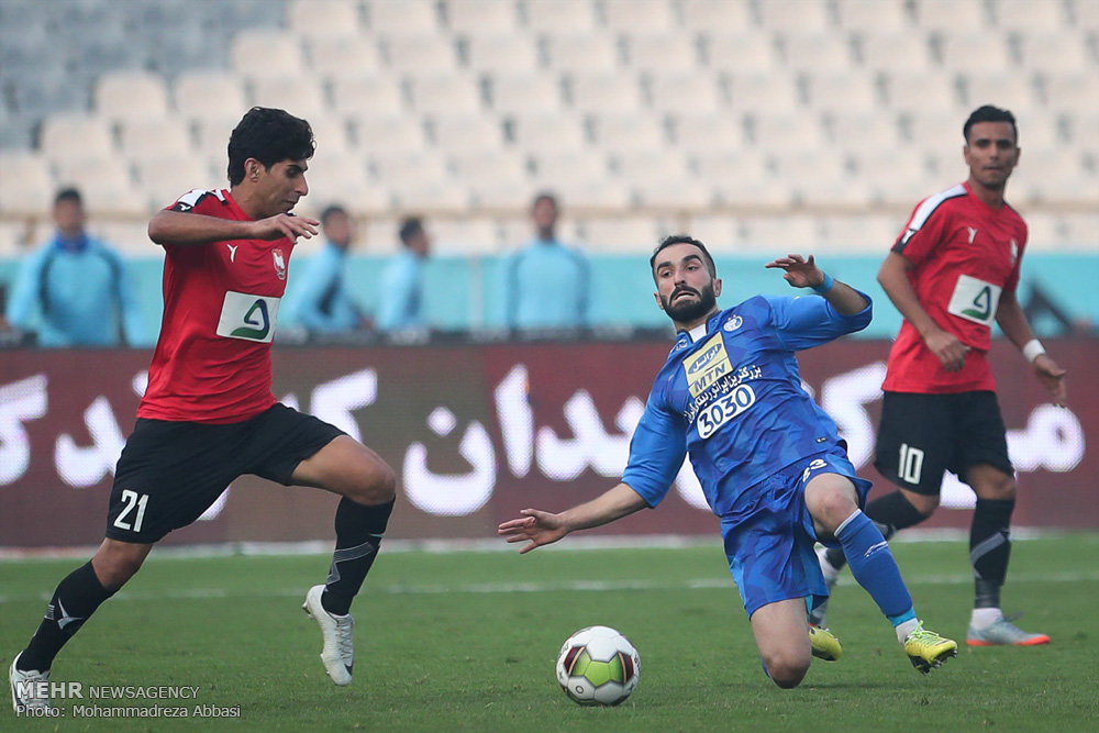 Tehran blue giants get to semi-final of Hazfi Cup