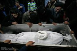 مراسم وداع جثمان آية الله حائري شيرازي /صور