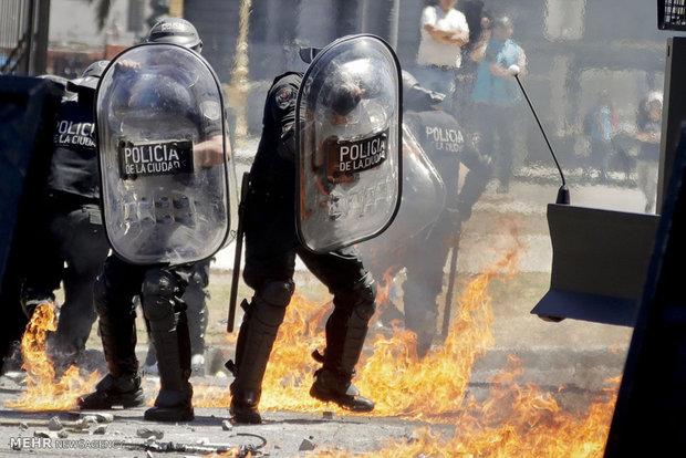 درگیری معترضان آرژانتینی با پلیس