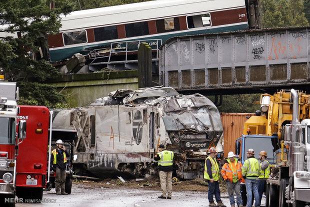 خارج شدن قطار از ریل در آمریکا