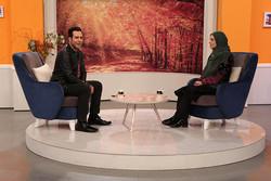 عاشق برنامههای گفتگومحور تلویزیونم/ از کامبیز دیرباز کمک میگیرم