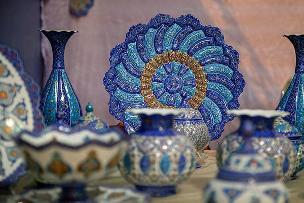 کارگاه های صنایع دستی فارس گواهی کیفیت دریافت می کنند