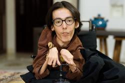 شاب إيراني معاق يصمم نظاما لمساعدة نظرائه من ذوي الاحتياجات الخاصة