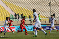 دیدار فولاد خوزستان و پرسپولیس در لیگ برتر