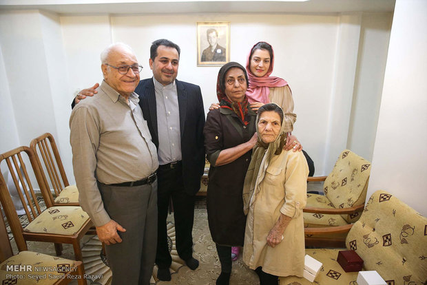 Pres. Rouhani visits Armenian martyr's family