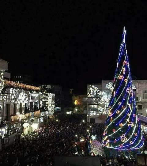 جشن کریسمس در نواحسوريا تحتفل من جديد بولادة المسيح (ع) بعد انتصارها على الارهابی سوریه