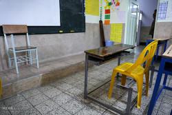 کمبود اعتبار مشکل بزرگ مدارس قم/ساخت میز و نیمکت توسط دانش آموزان