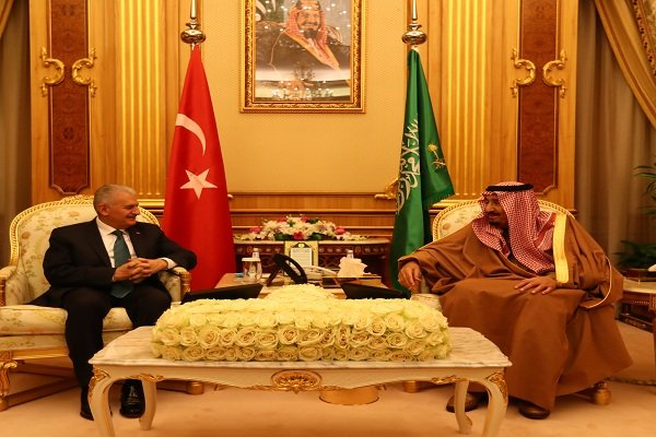 Turkish PM, Saudi King discuss Al-Quds behind closed doors