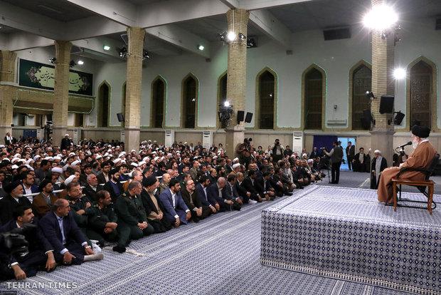 Members of Council of Islamic Propagation meet with Ayatollah Khamenei