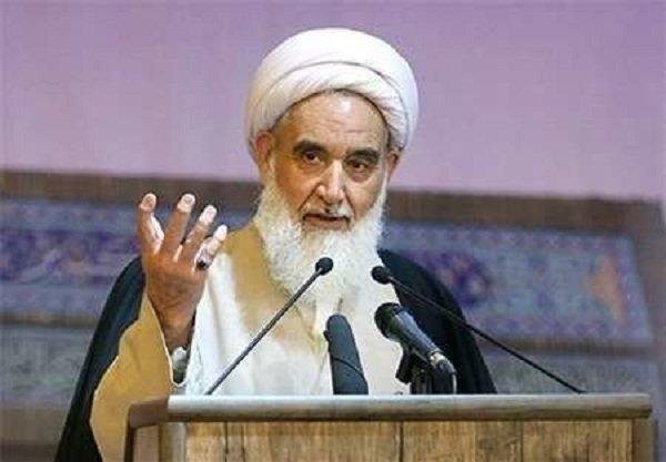 امام جمعه کرمانشاه تاکید کرد: دشمن از نقاط ضعف سواستفاده میکند/لزوم تلاش مسئولان در رفع مشکلات