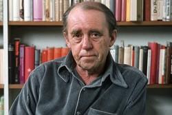 پسر هاینریش بُل از پدر گفت/ کشف دوباره یک نویسنده در آلمان